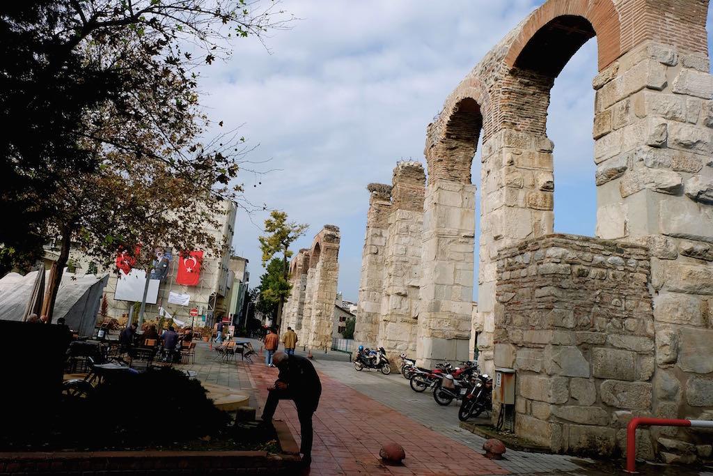 Alun-alun dan Viaduct Selcuk
