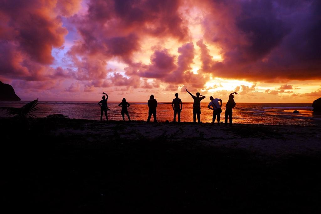 Sunset di Sumbawa Barat, pertama kali kamera ini dibawa jalan-jalan jauh