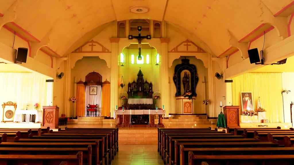 Katedral Reinha Rosari Larantuka
